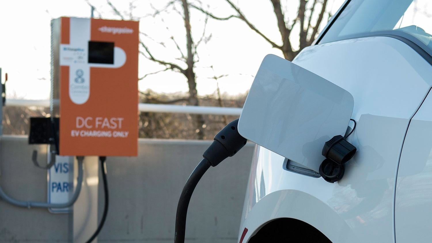 bmw vw and chargepoint create express charging corridors dc fast charge 061