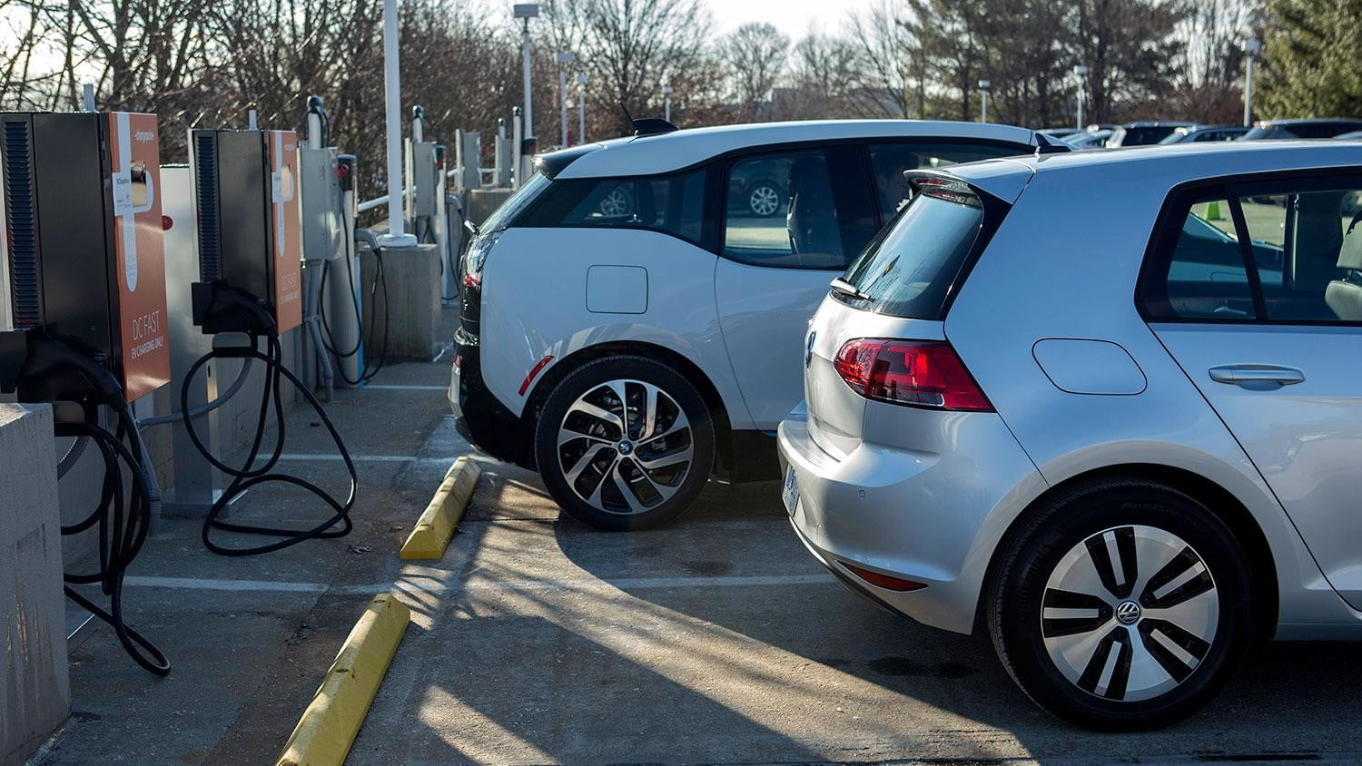 bmw vw and chargepoint create express charging corridors dc fast charge 080
