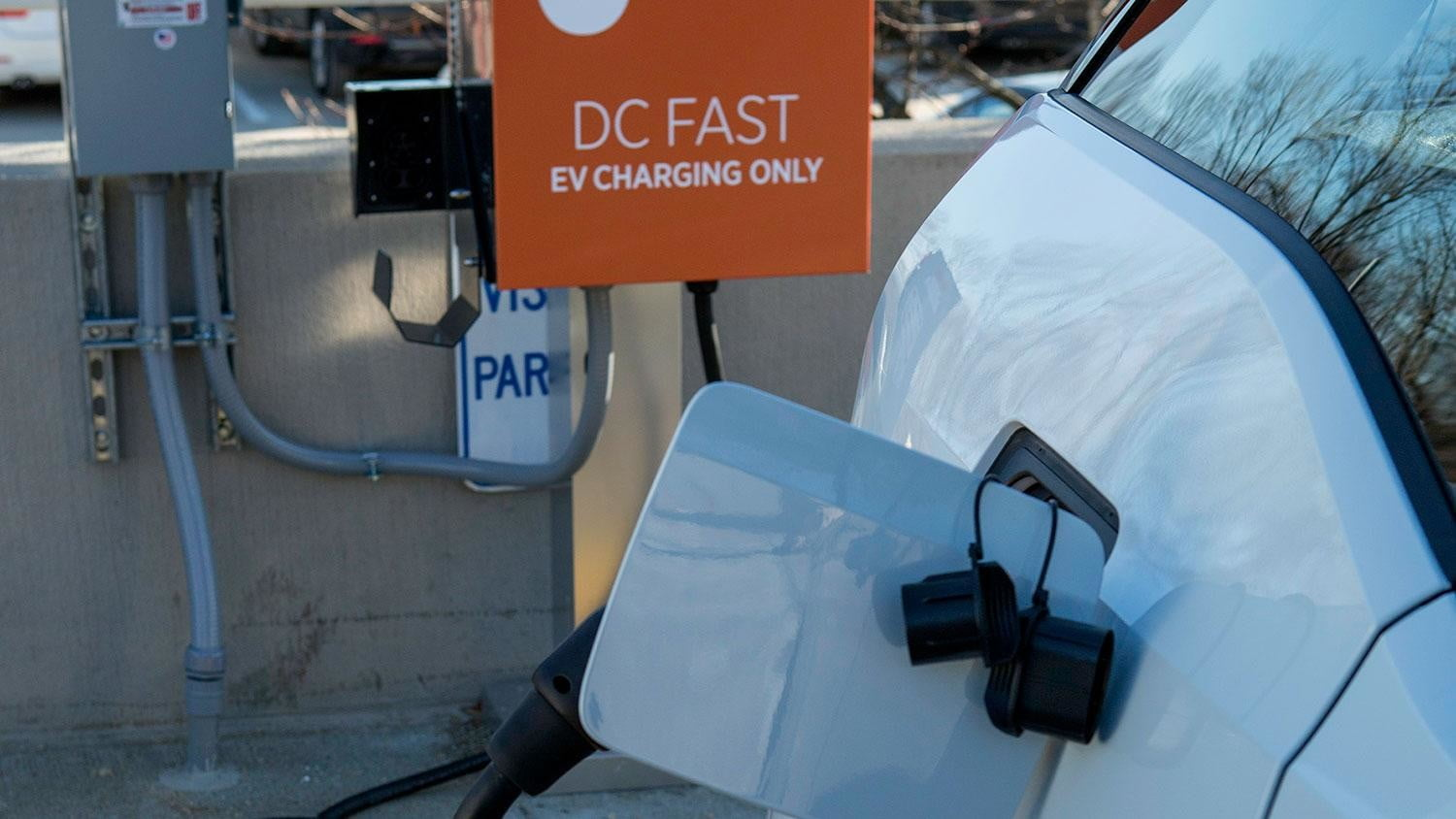 bmw vw and chargepoint create express charging corridors dc fast charge 127