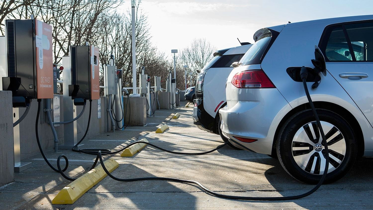 bmw vw and chargepoint create express charging corridors dc fast charge 132