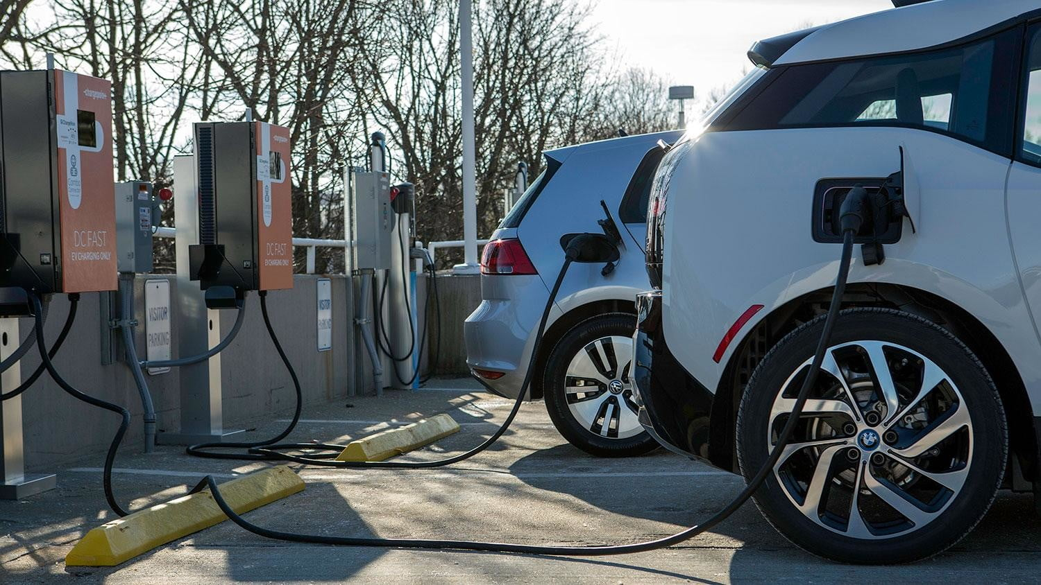 bmw vw and chargepoint create express charging corridors dc fast charge 136