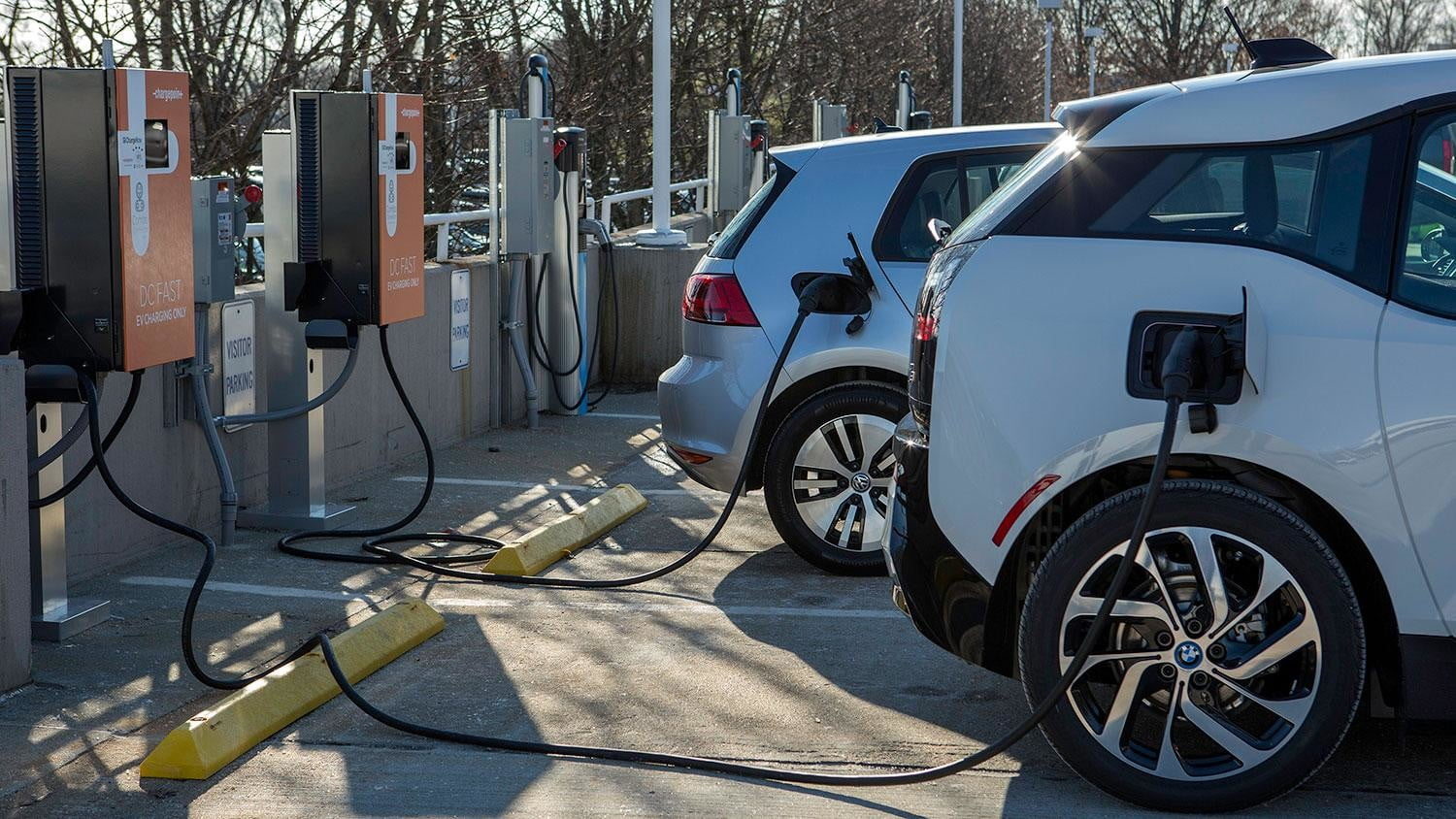 bmw vw and chargepoint create express charging corridors dc fast charge 144