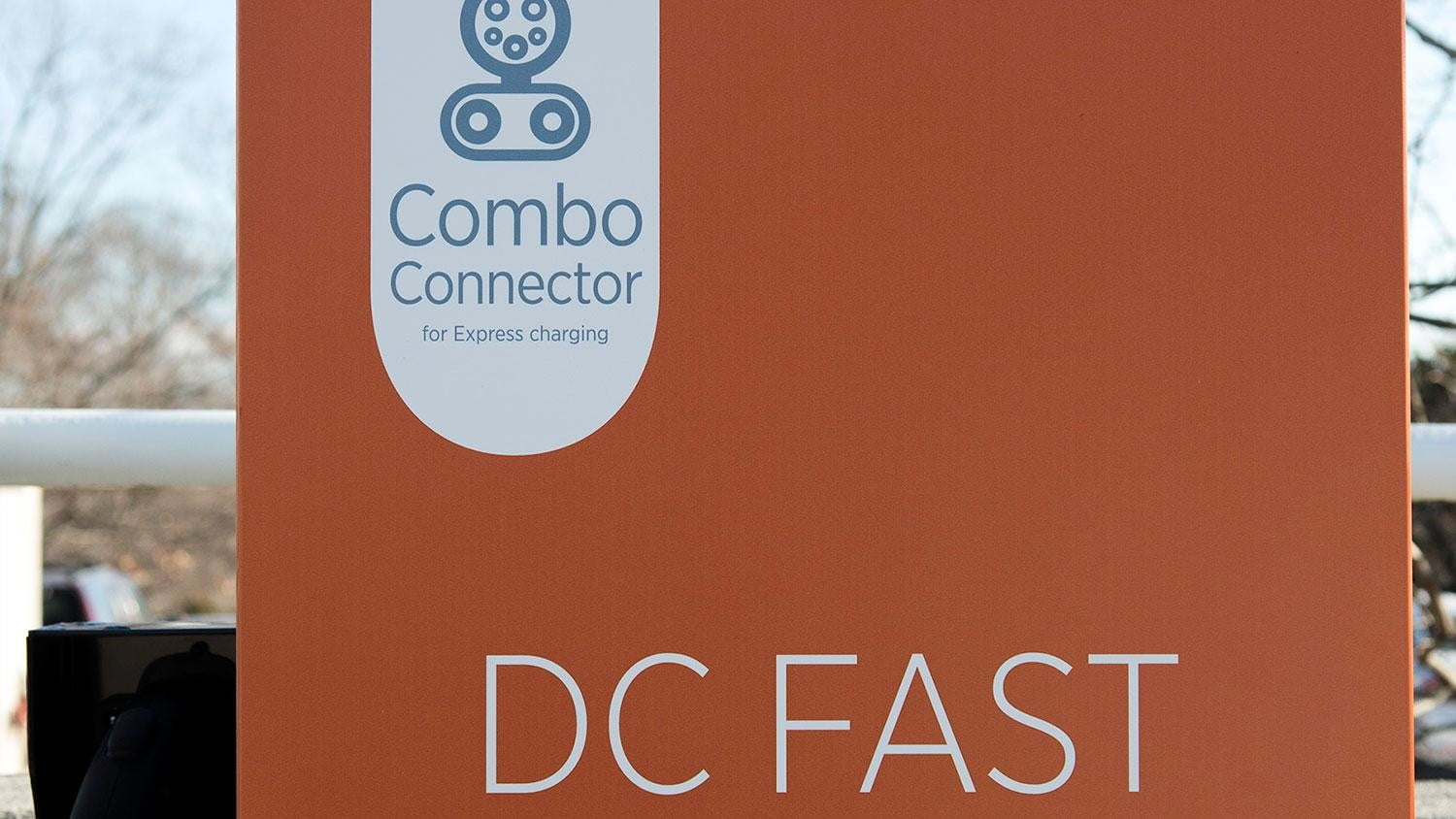 bmw vw and chargepoint create express charging corridors dc fast charge 160b