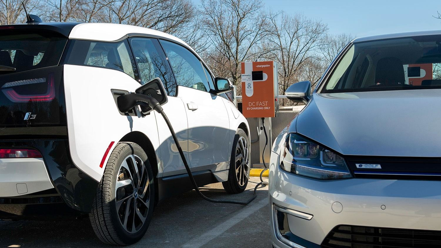 bmw vw and chargepoint create express charging corridors dc fast charge 235