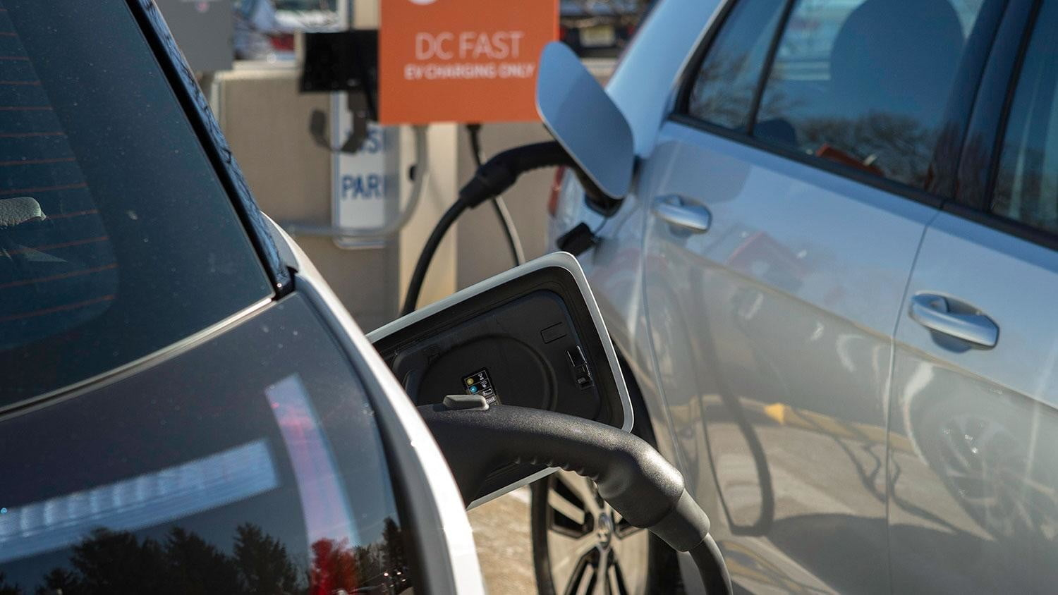 bmw vw and chargepoint create express charging corridors dc fast charge 244