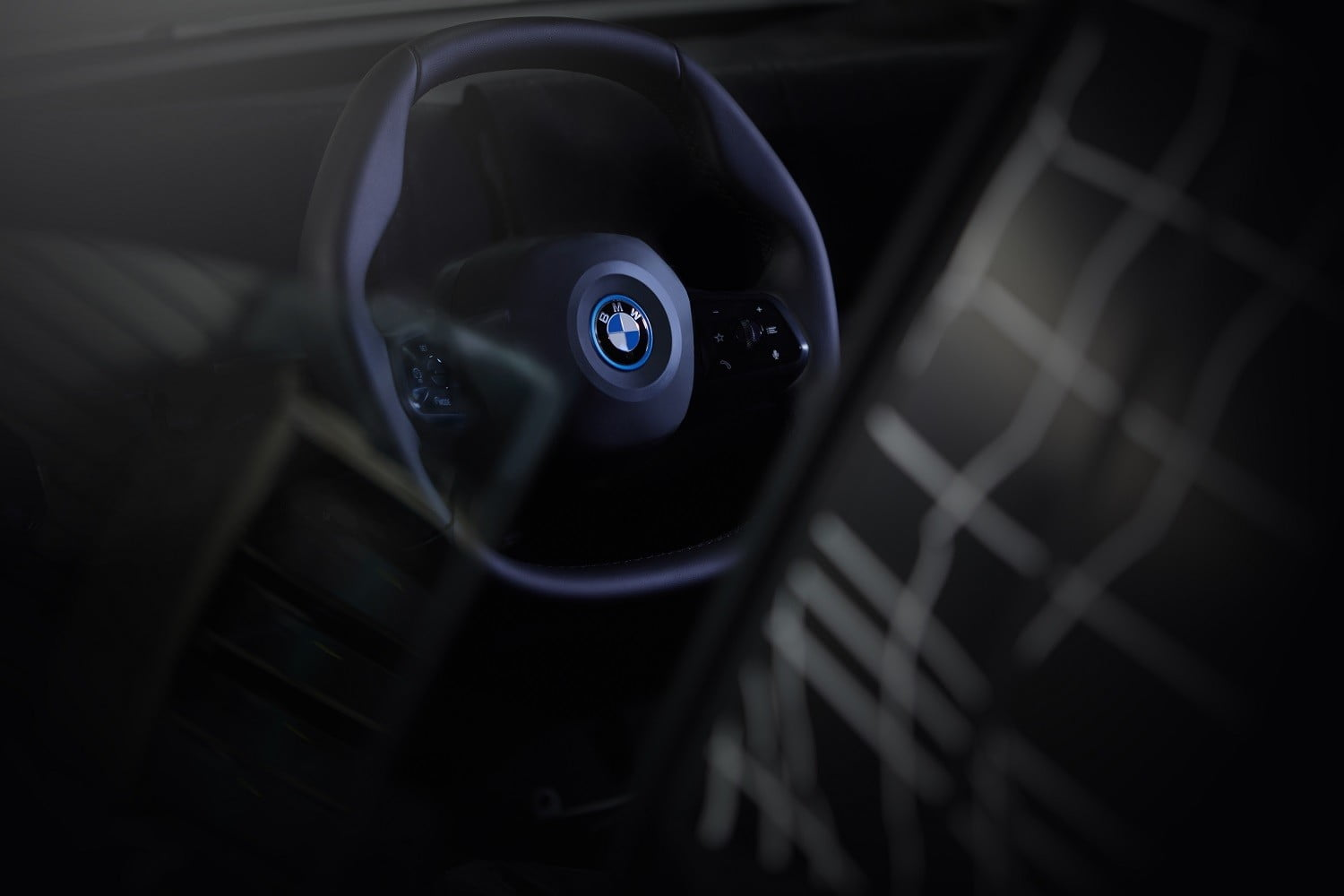 bmw inext will be an electric autonomous connected tech flagship polygonal steering wheel