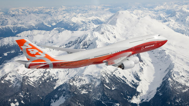 Biggest largest planes in the world Boeing 747 8
