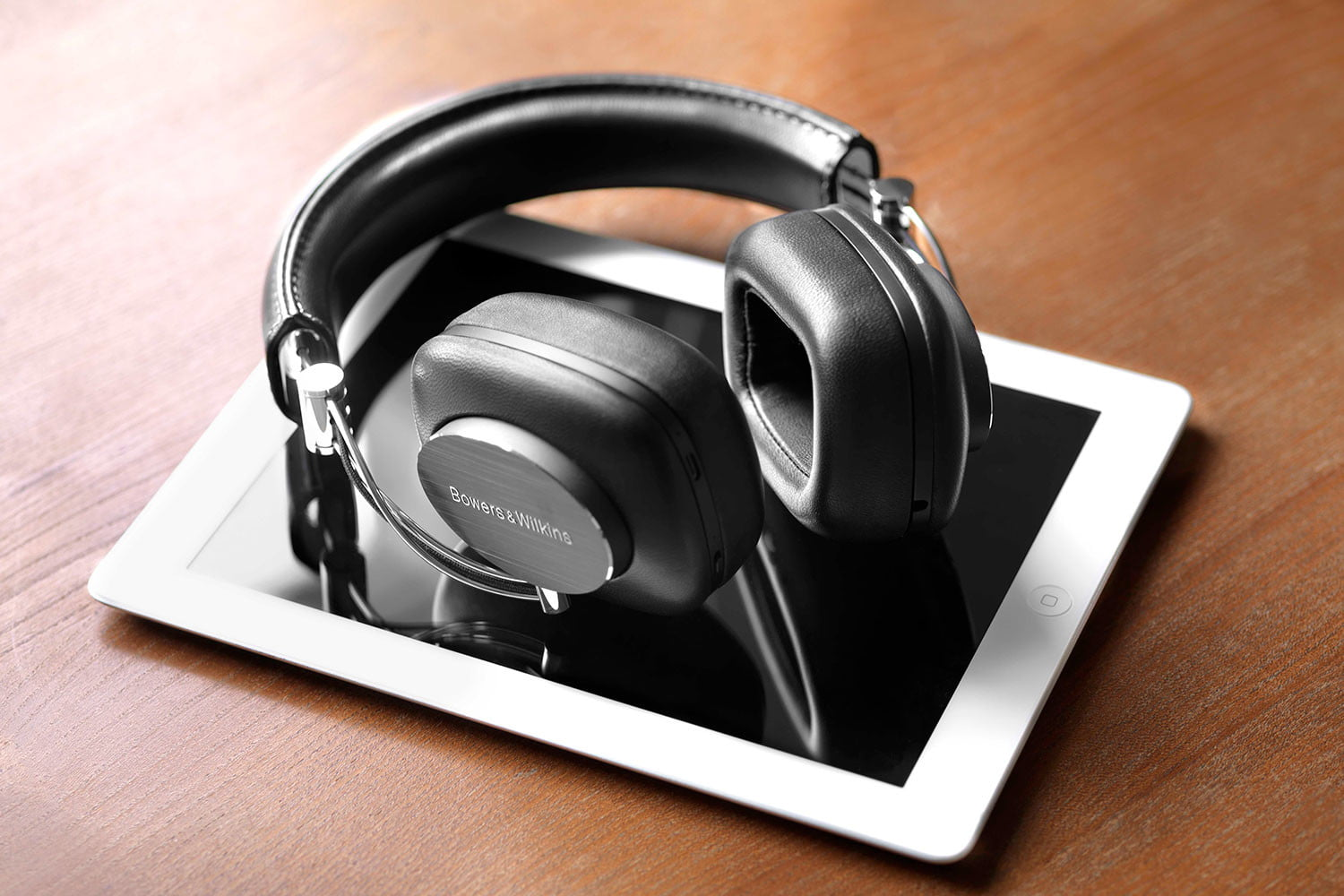 bowers wilkins p7 wireless announced 5