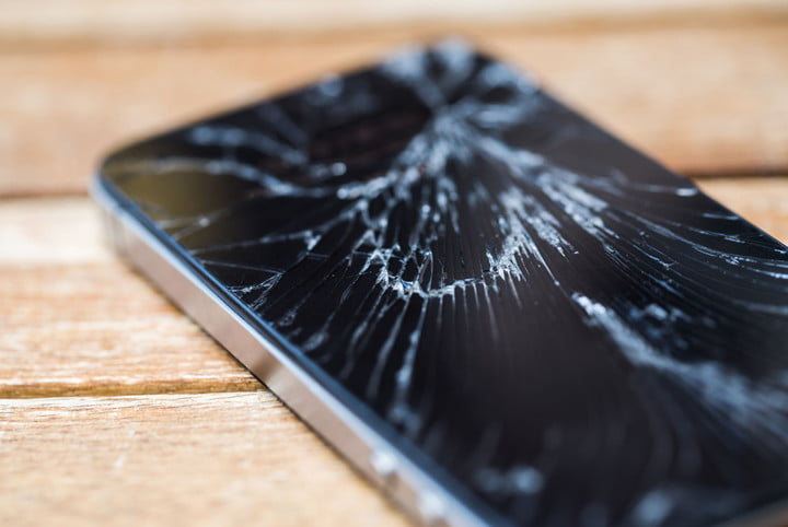 att extends period for customers to insure devices broken phone 4