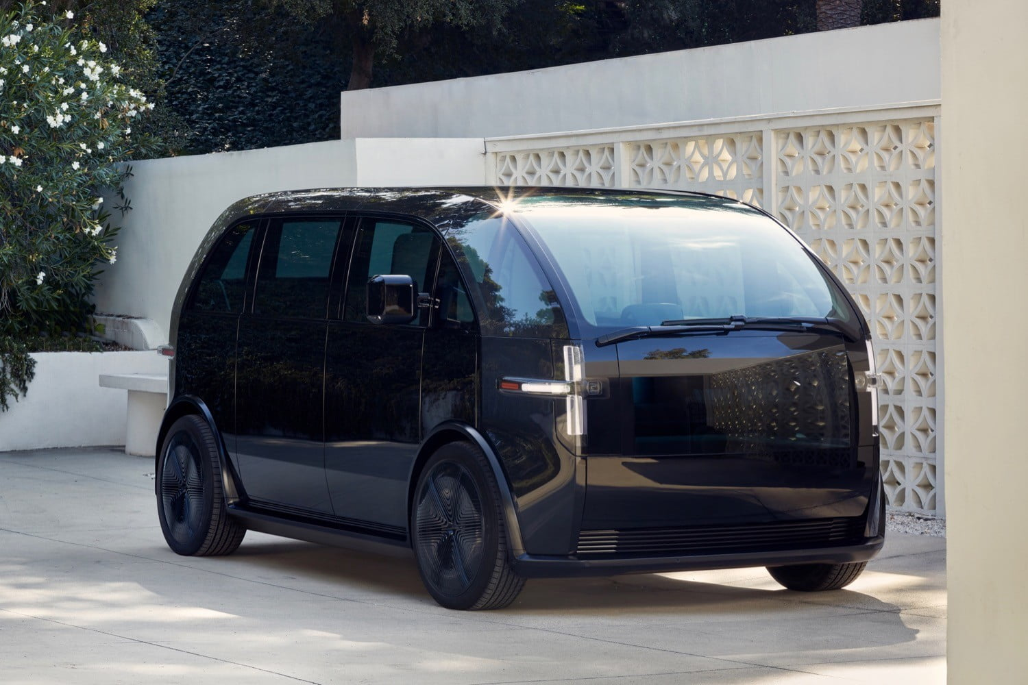 canoo electric car for subscription services photos specs launch date