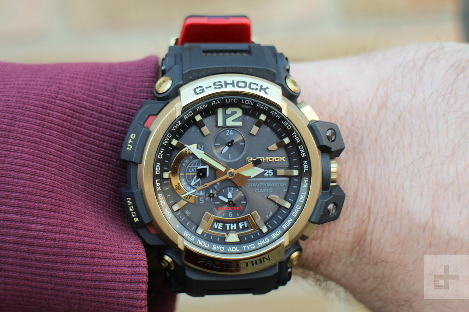 Casio G Shock GPW-2000 review arm face