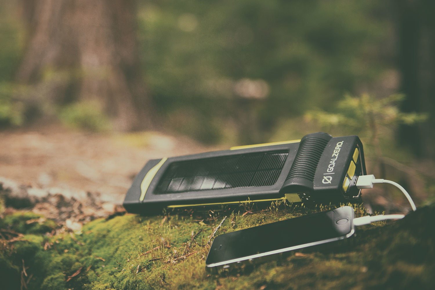 how your smartphone could save life outdoors charge it