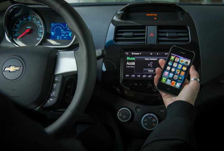 no escape from apple chevy brings siri integration to six new cars for 2014 chevrolet mylink
