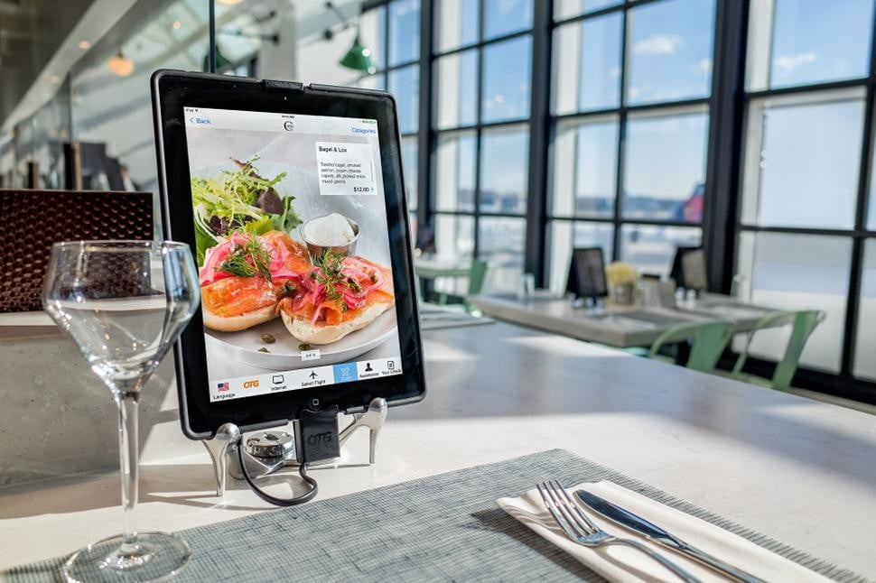 ipads are replacing waiters in airport restaurants cotto ipad otg lr