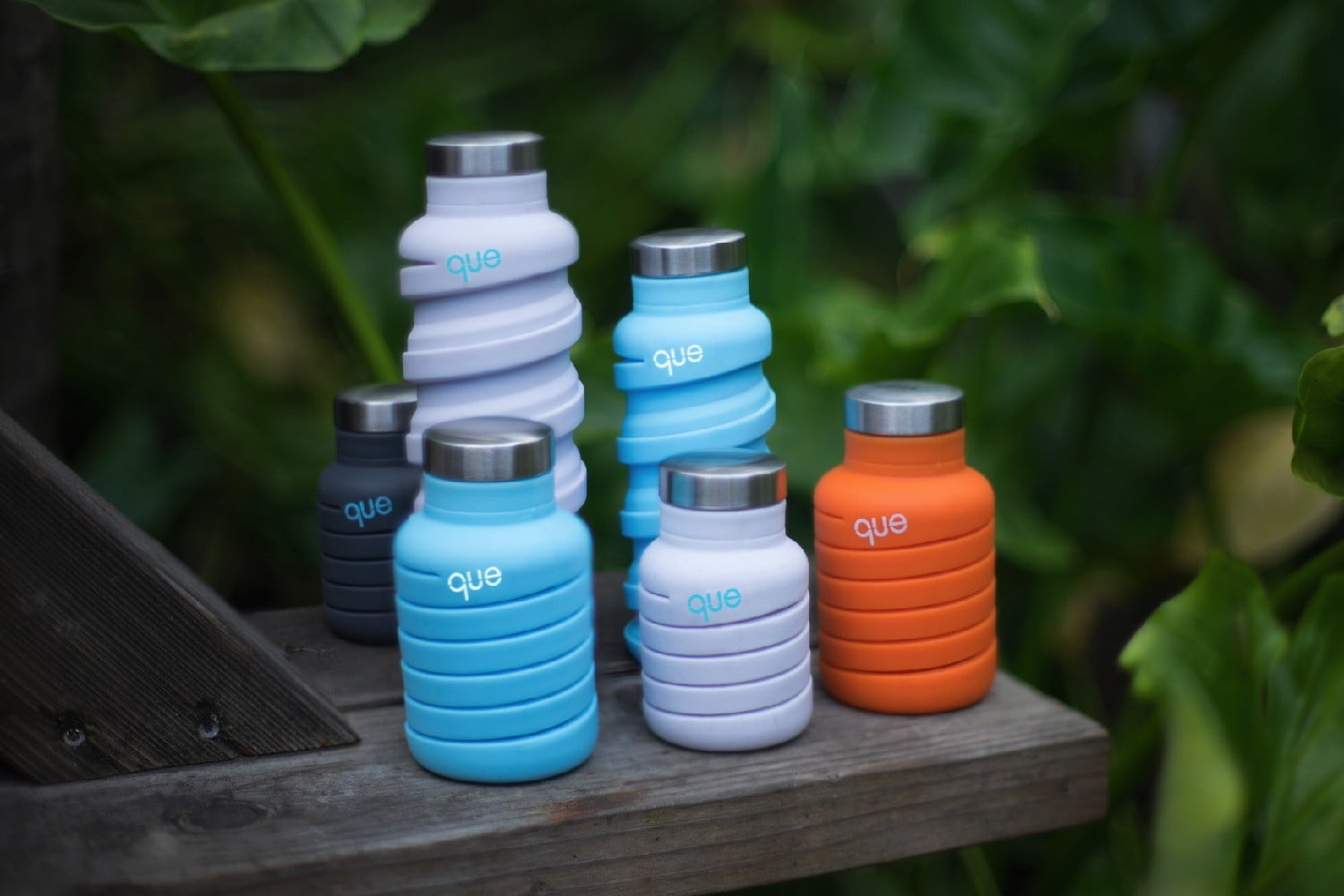 que collapsible water bottle coverphoto
