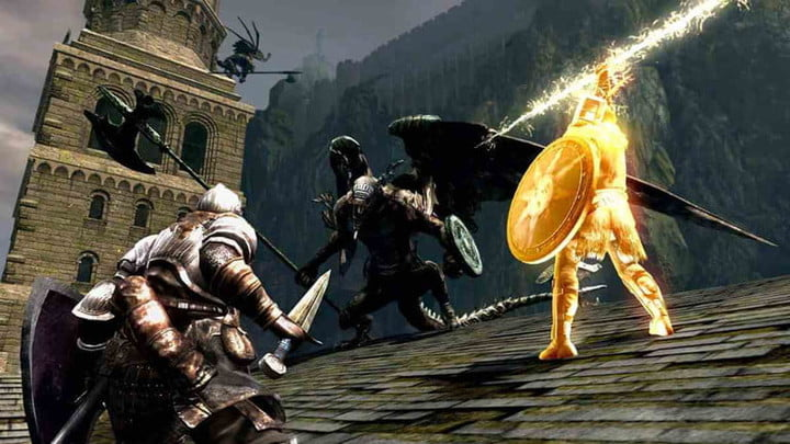 The player and Solair fighting the bell gargoyle.