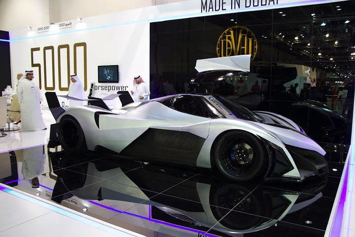 devel sixteen 5000 hp supercar spotted on the road