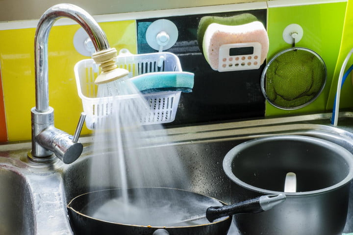 experts say dishwashers use less water than hand washing dirty dishes in a sink