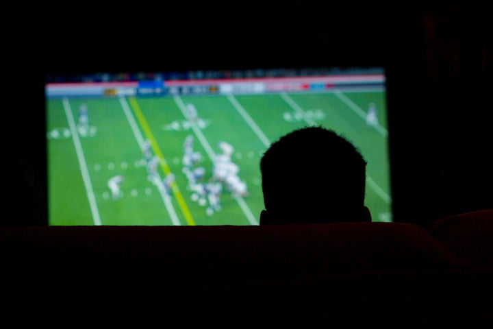 dish waits on the sidelines in case directv cant renew nfl sunday ticket