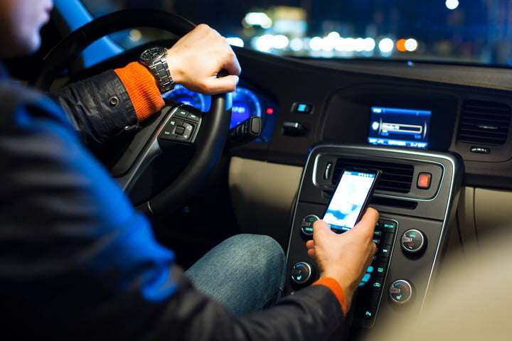 smartphone driver mode distracted driving