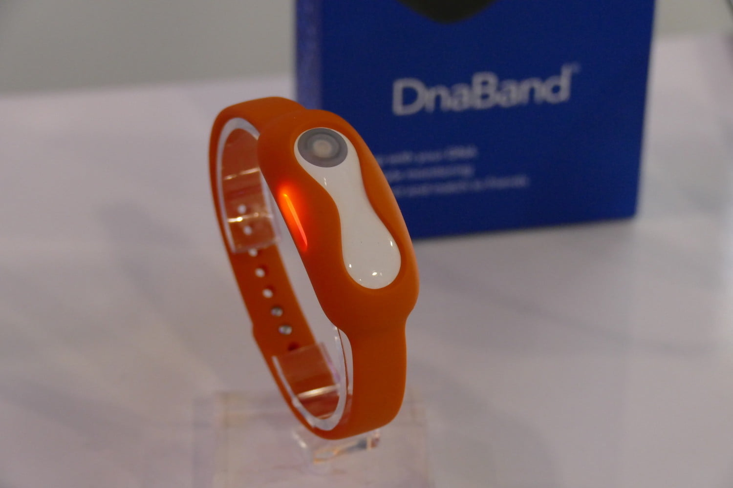 dnanudge dna shopping ces2020 red band