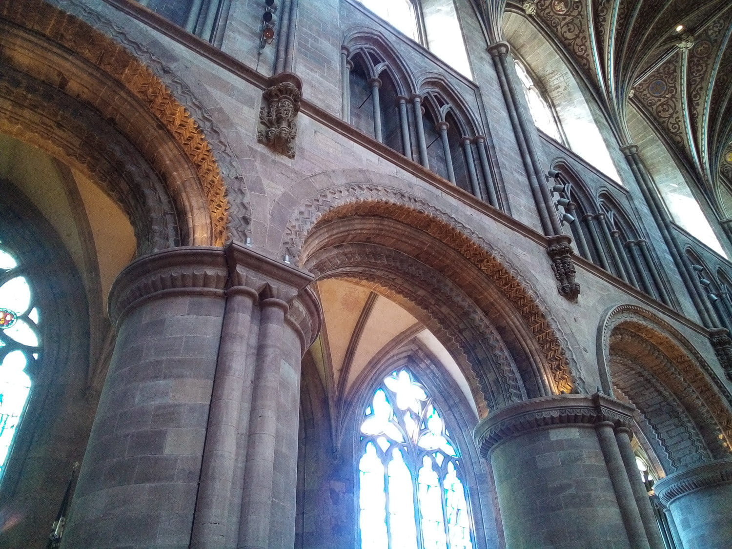 doogee s40 review camera sample cathedral interior