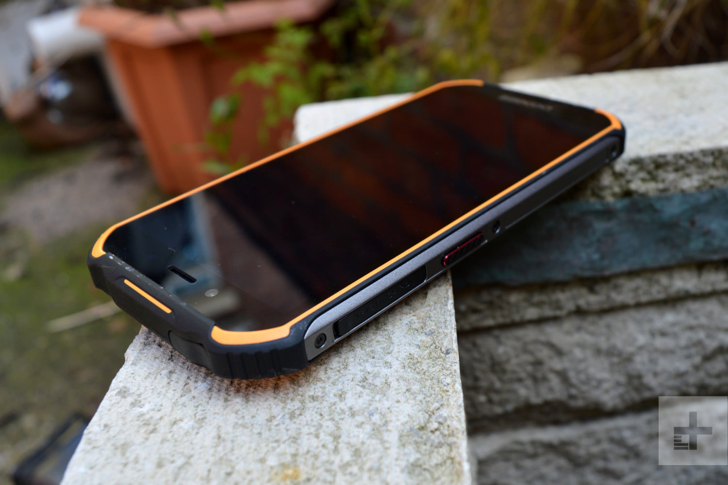 doogee s40 review sos button