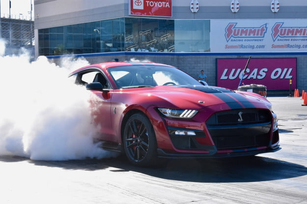 2020 Ford Mustang Shelby GT500 burnout