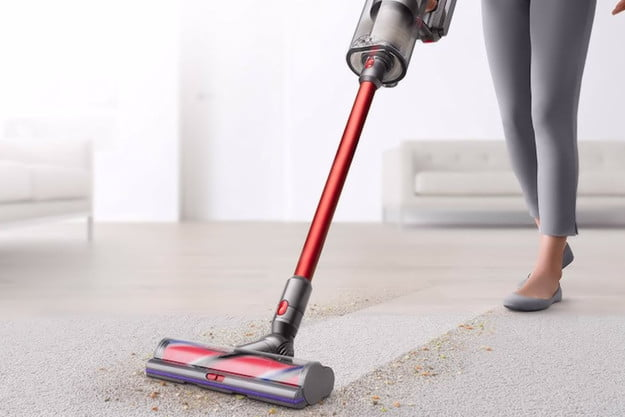 Dyson V11 Outsize cleaning