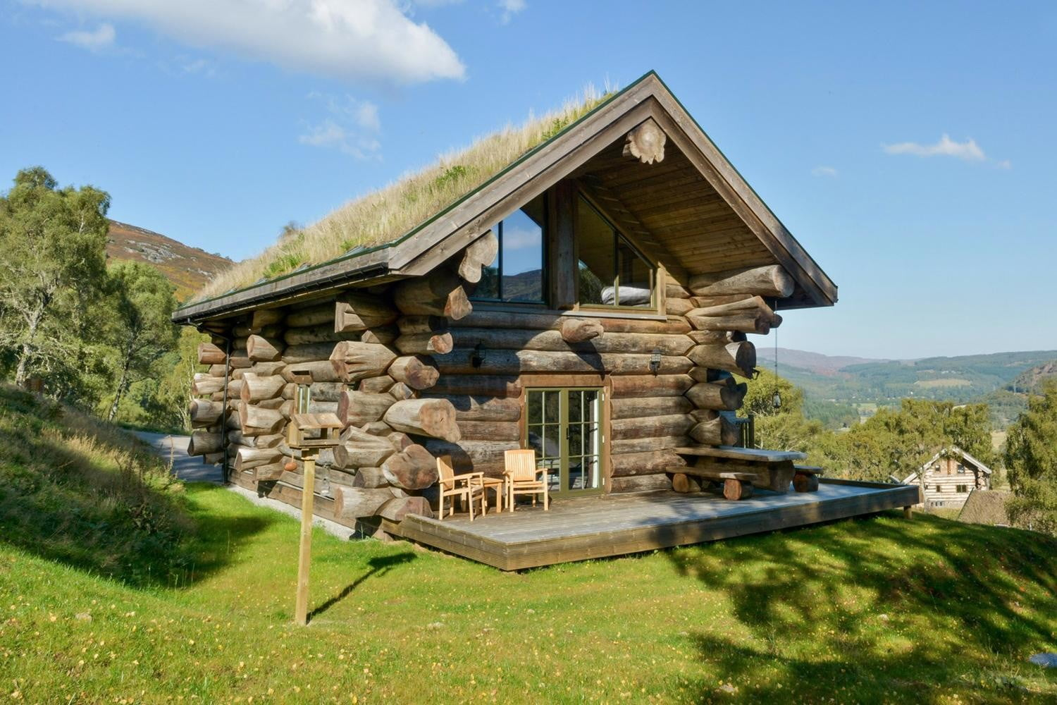 retreat from society and relax in these idyllic cabins around the world eagle brae highland log 9