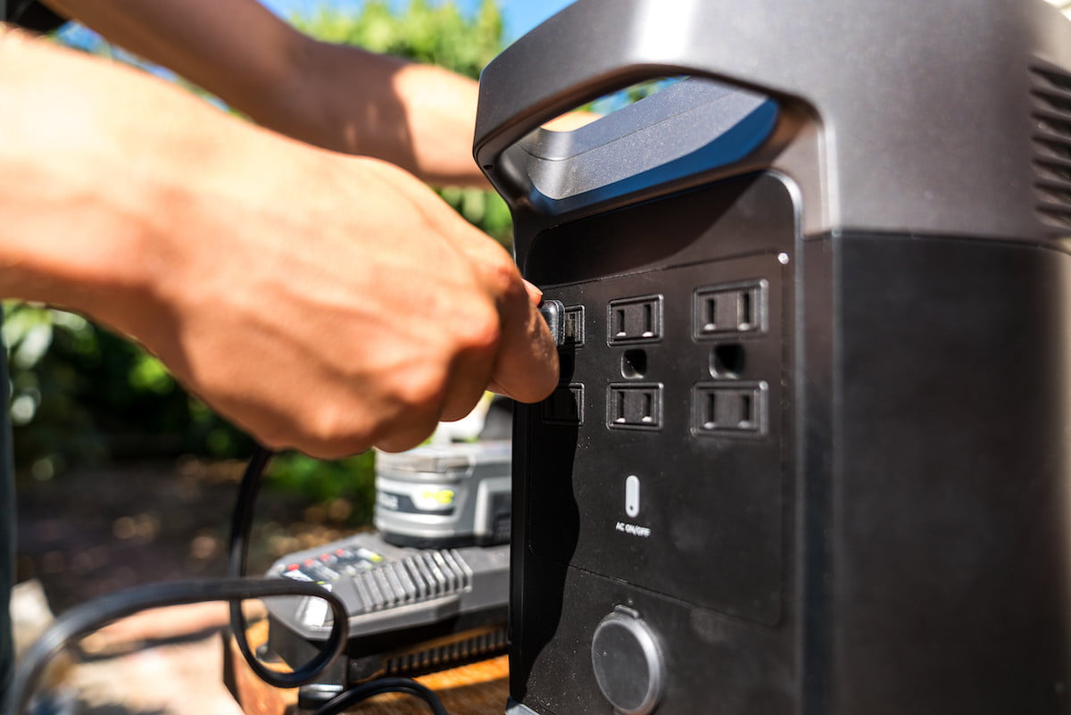 this portable power station has 6 ac outlets and can charge a tesla ecoflow delta 2
