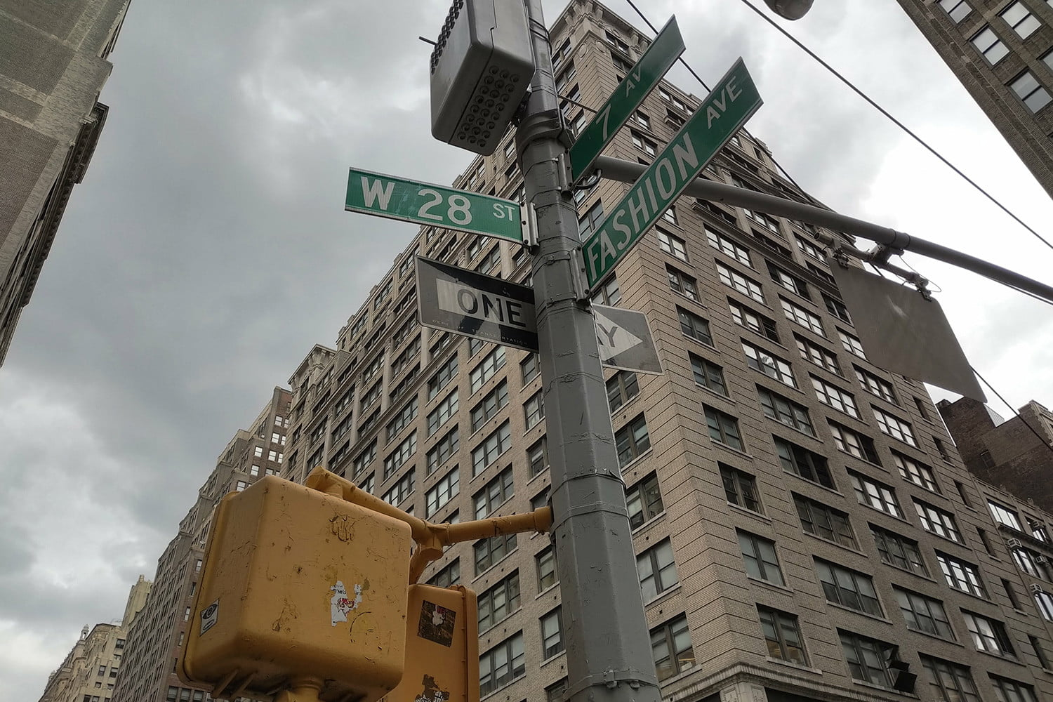 Essential Phone review camera samples street sign