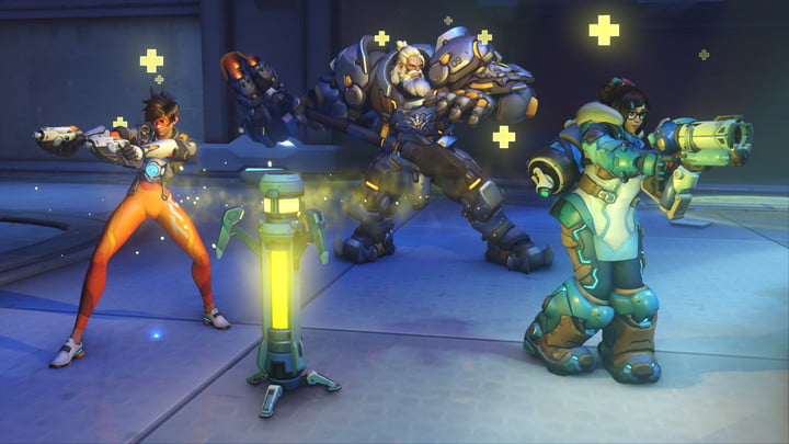 Overwatch 2 heroes with weapons drawn.