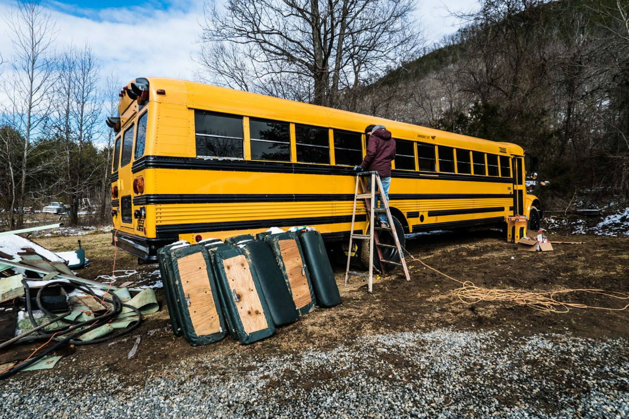 coolest bus to mobile home conversions expedtionhappinessbusbefore