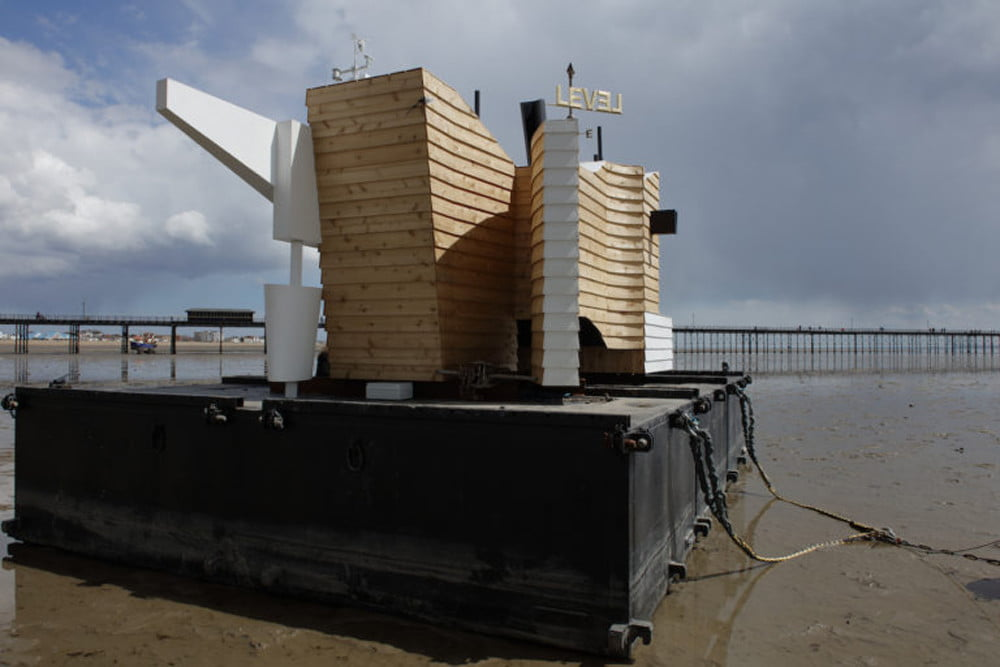 floating home collects temperature moisture data floathome5