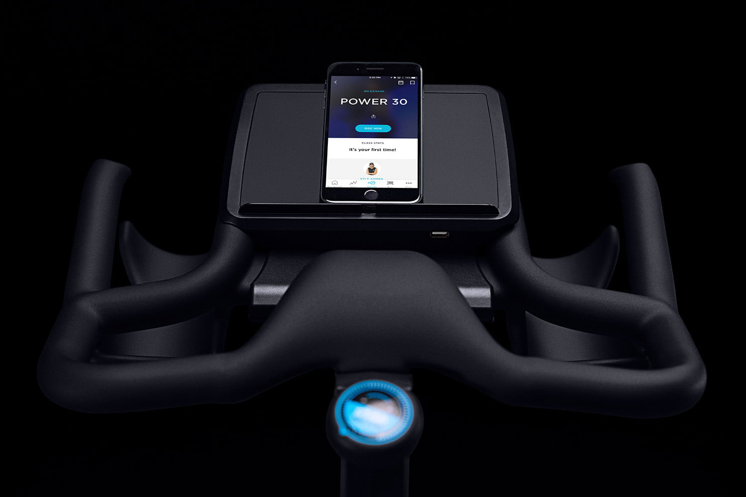 FLY Anywhere flywheel tray detail with iphone