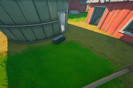 Fortnite challenge guide: Carry alien sample from satellite station to Corny Complex