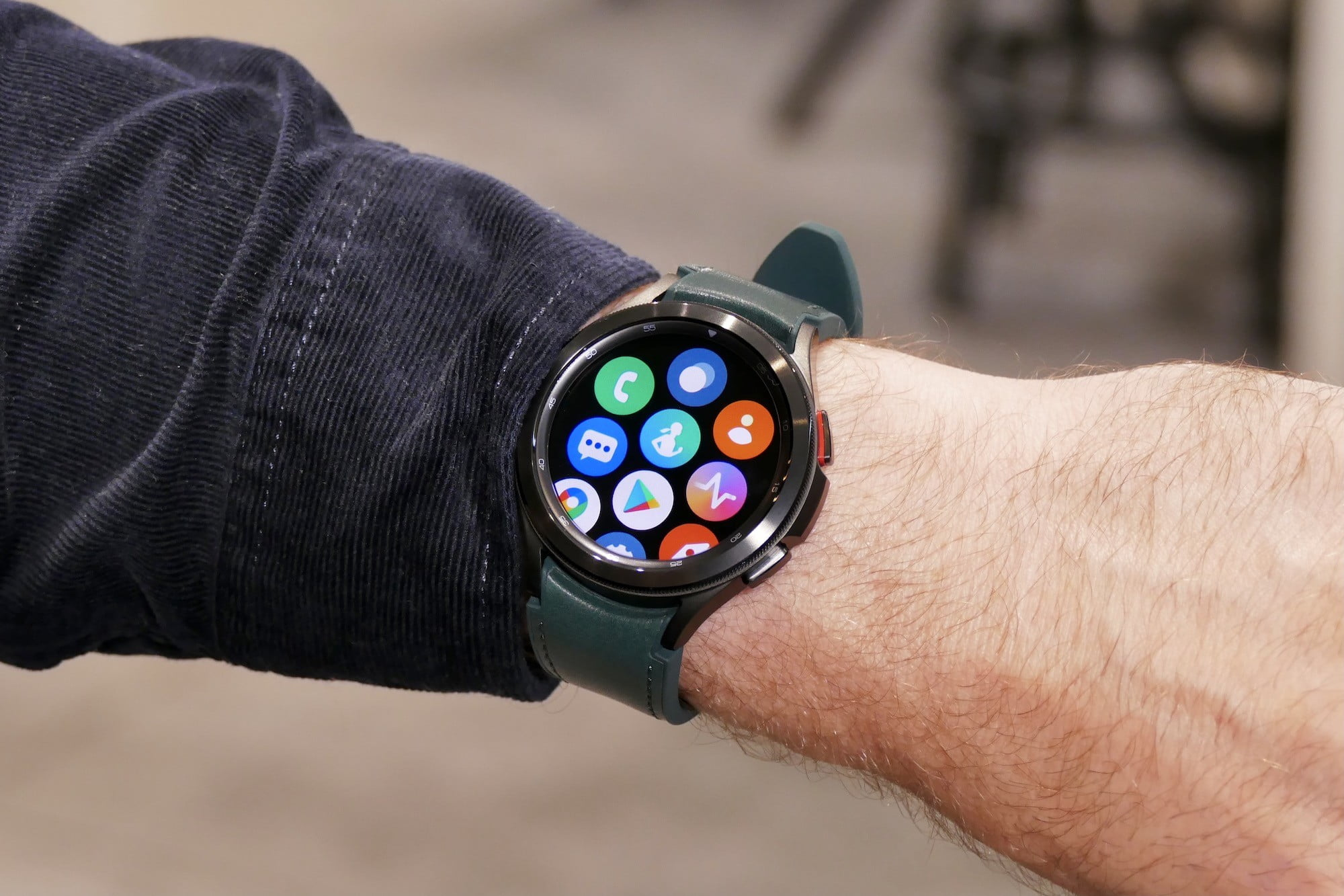 Open apps menu on the Galaxy Watch 4 Classic.