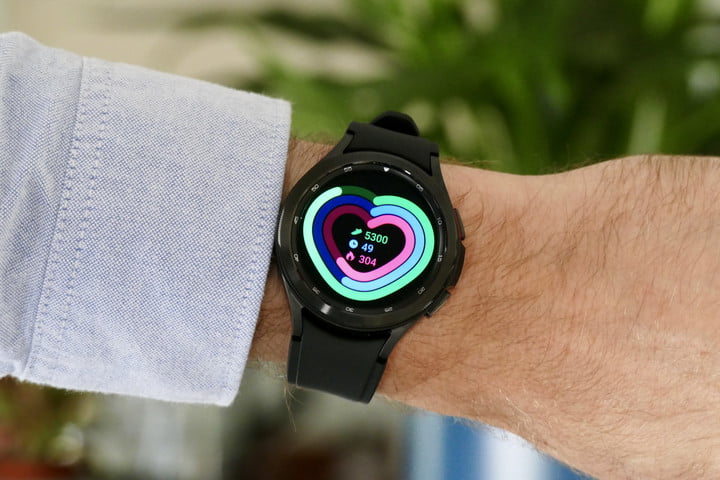 Daily activity screen on the Galaxy Watch 4 Classic.