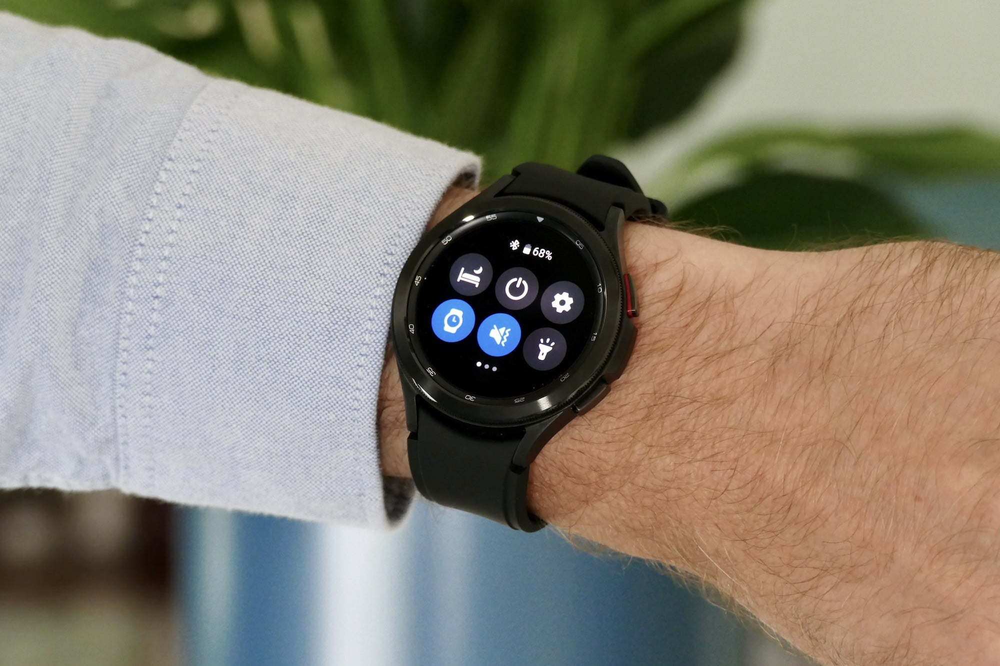 Settings on the Galaxy Watch 4 Classic.