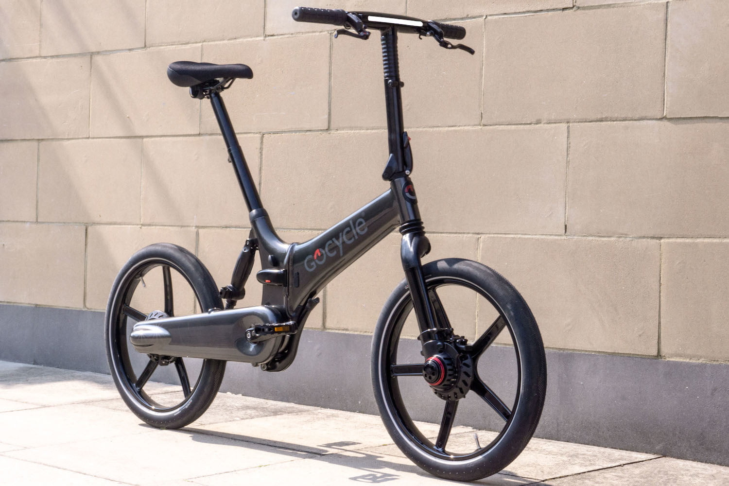 gocycles new gxi electric bike can fold away in a mere 10 seconds gocycle 1