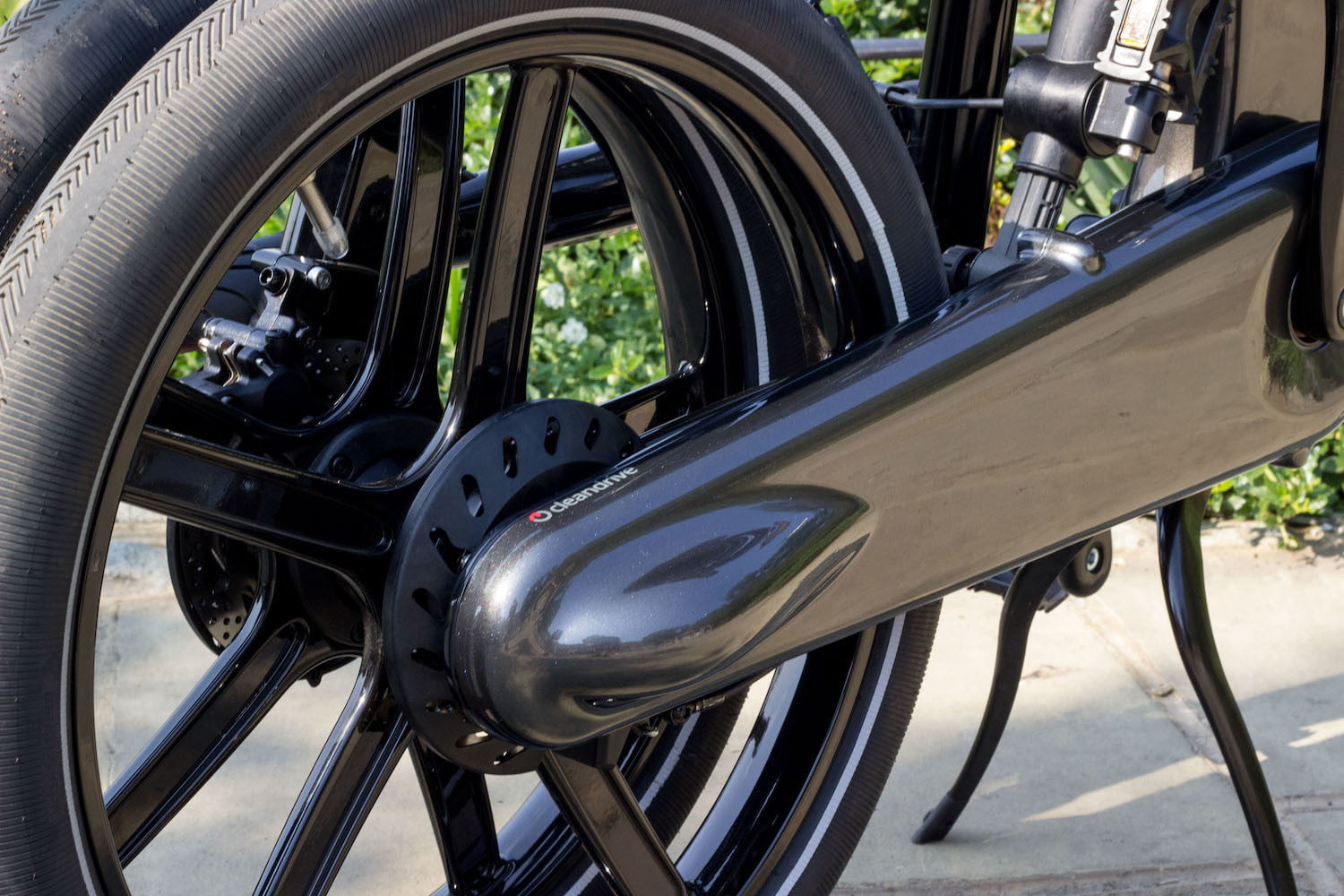 gocycles new gxi electric bike can fold away in a mere 10 seconds gocycle 3
