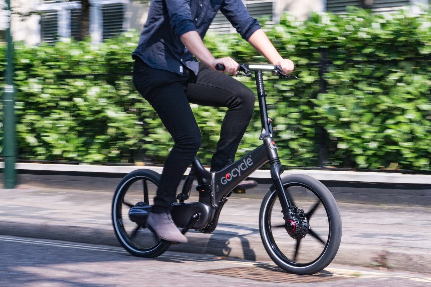 gocycles new gxi electric bike can fold away in a mere 10 seconds gocycle 7