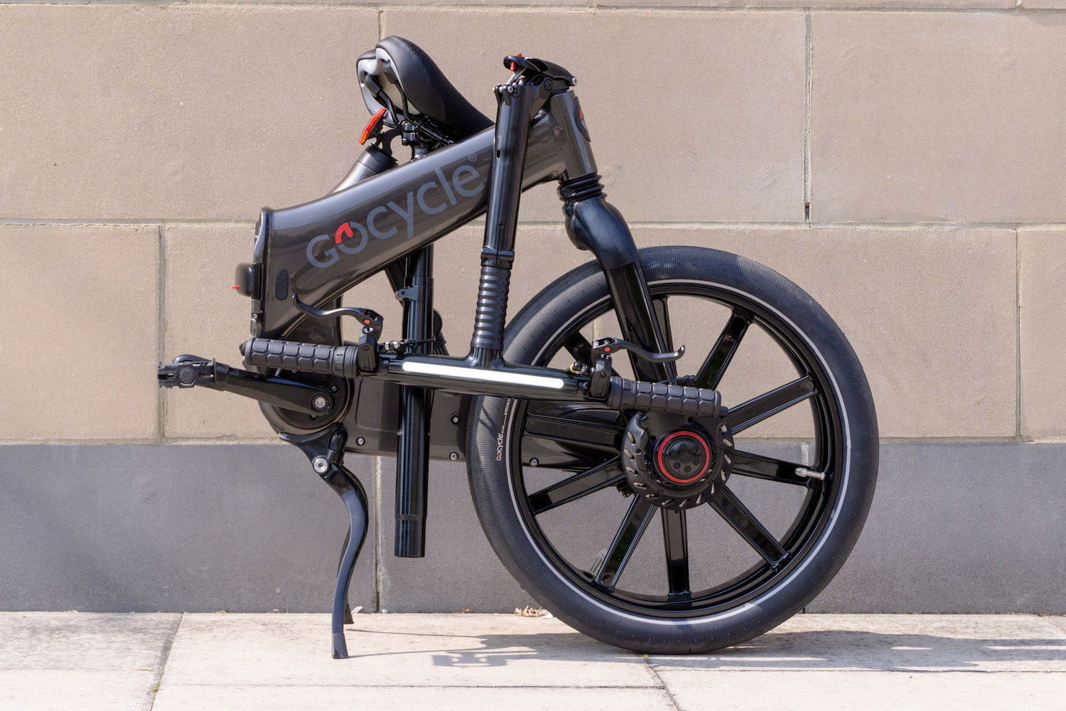 gocycles new gxi electric bike can fold away in a mere 10 seconds gocycle 9