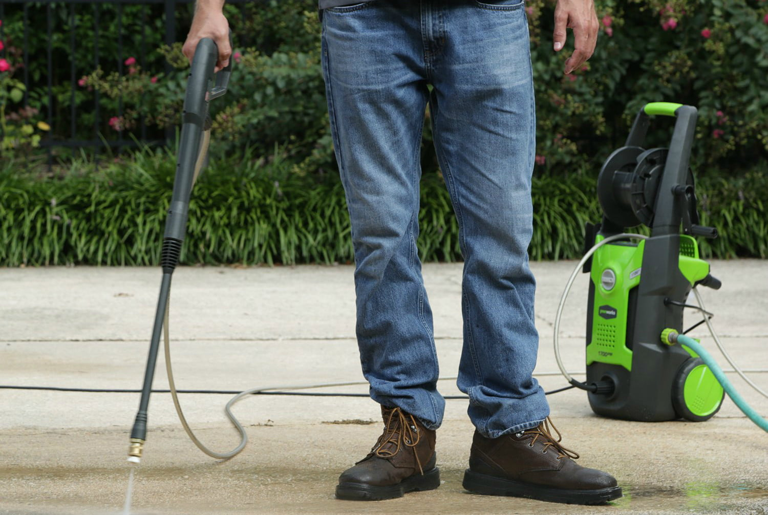 amazon deals on greenworks pressure washers and yard tools 1700 psi 13 amp 1 2 gpm washer with hose reel gpw1702
