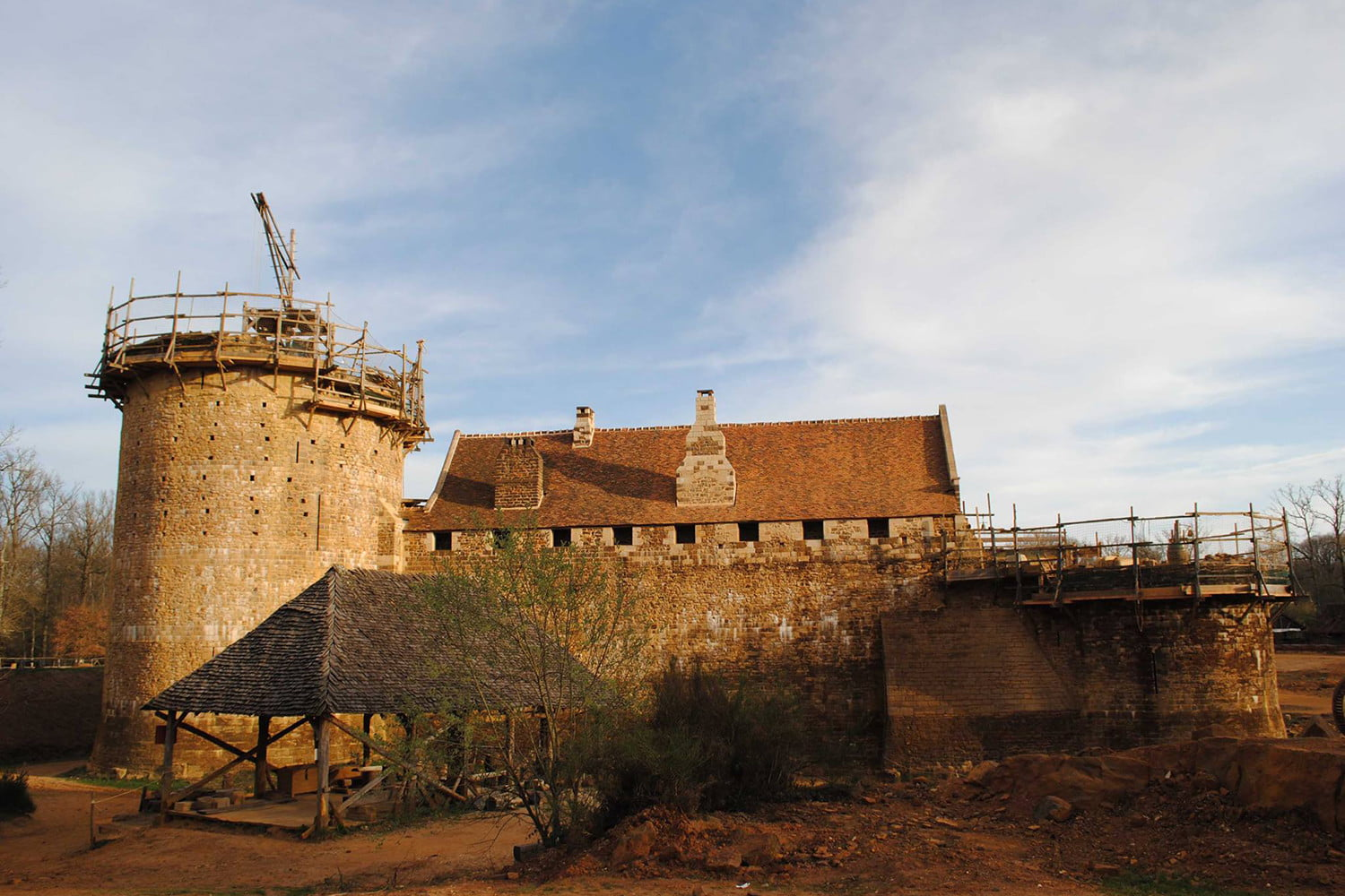 the guedelon castle is being built with 13th century techniques gu  delon 0015