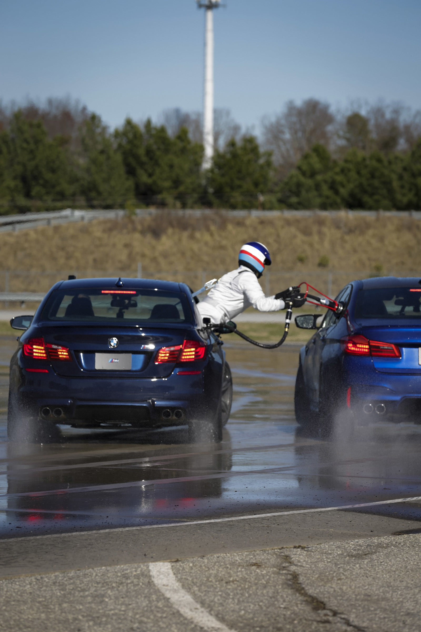 bmw sets two guinness world records drifting sideways for 2325 miles record  longest drift with 2018 m5 11