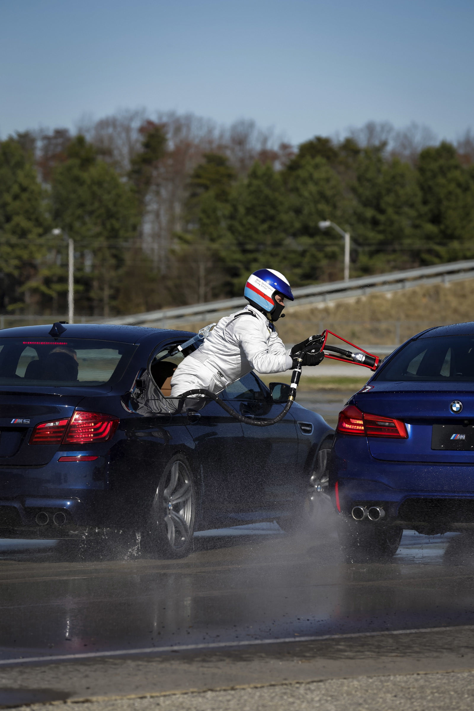 bmw sets two guinness world records drifting sideways for 2325 miles record  longest drift with 2018 m5 7