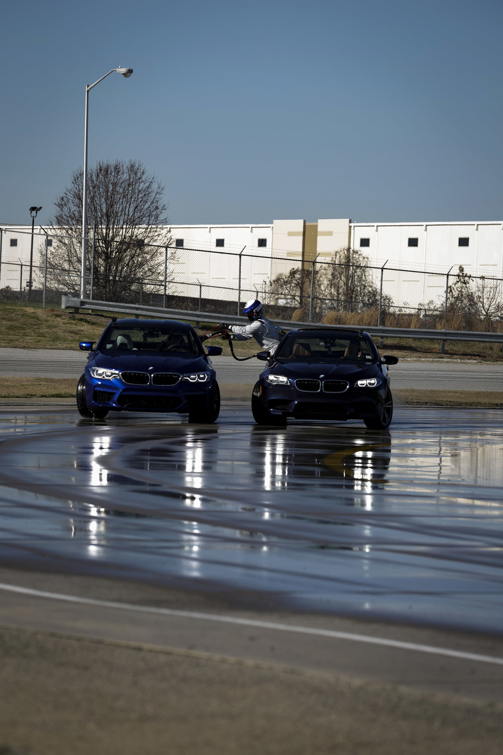 bmw sets two guinness world records drifting sideways for 2325 miles record  longest drift with 2018 m5 8