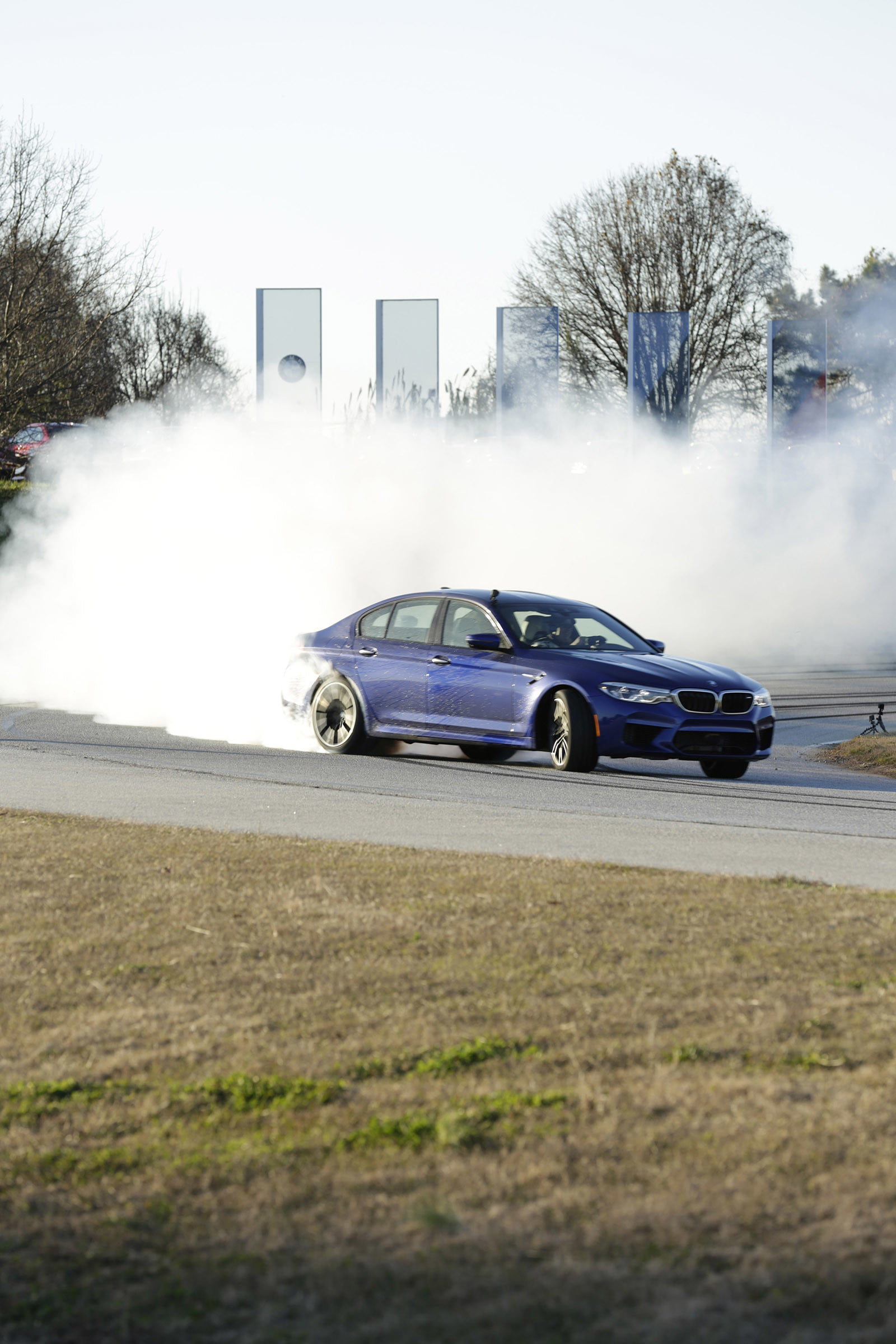 bmw sets two guinness world records drifting sideways for 2325 miles record  longest drift with 2018 m5